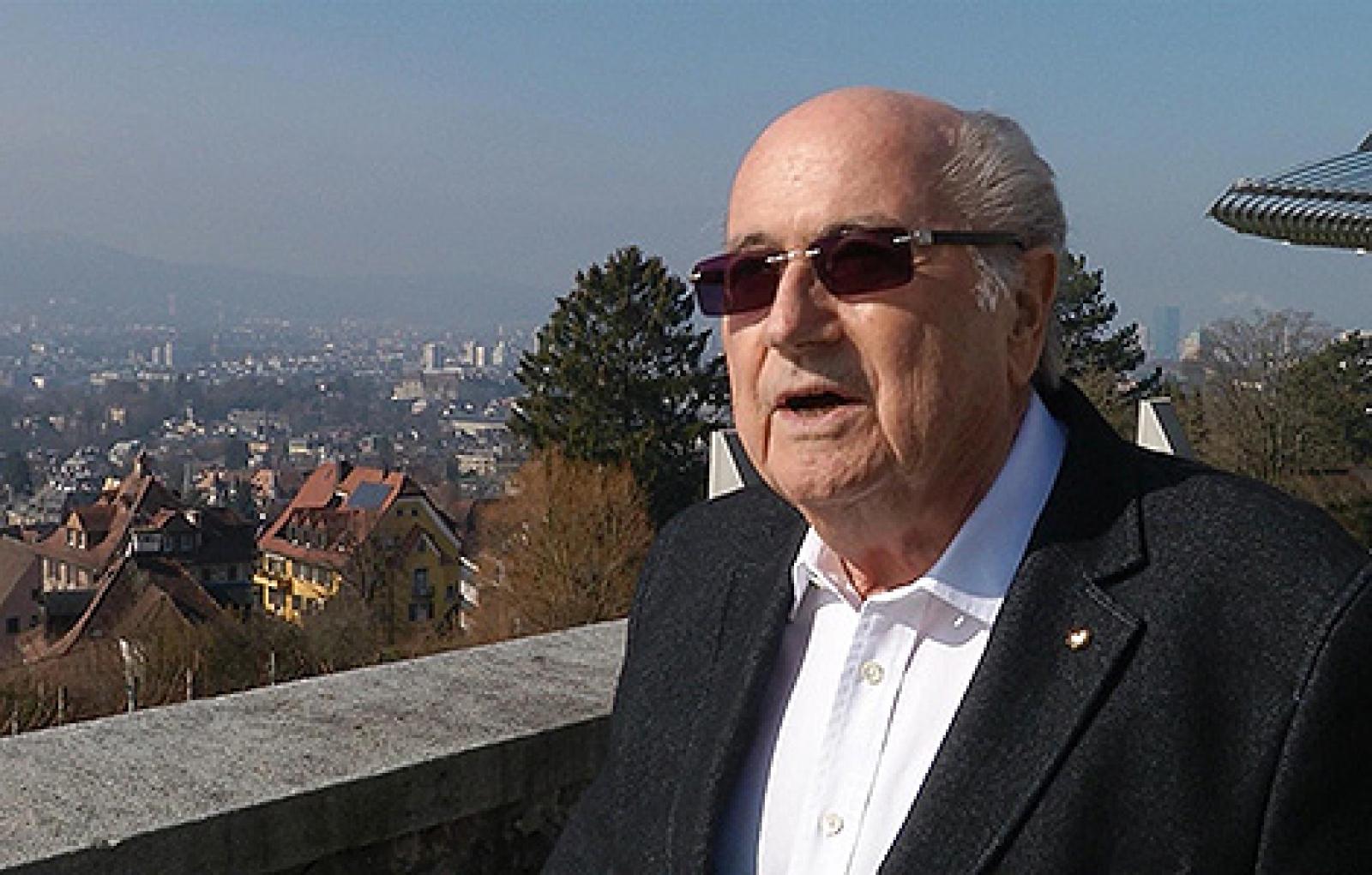 Blatter vill ha proffsdomare 2