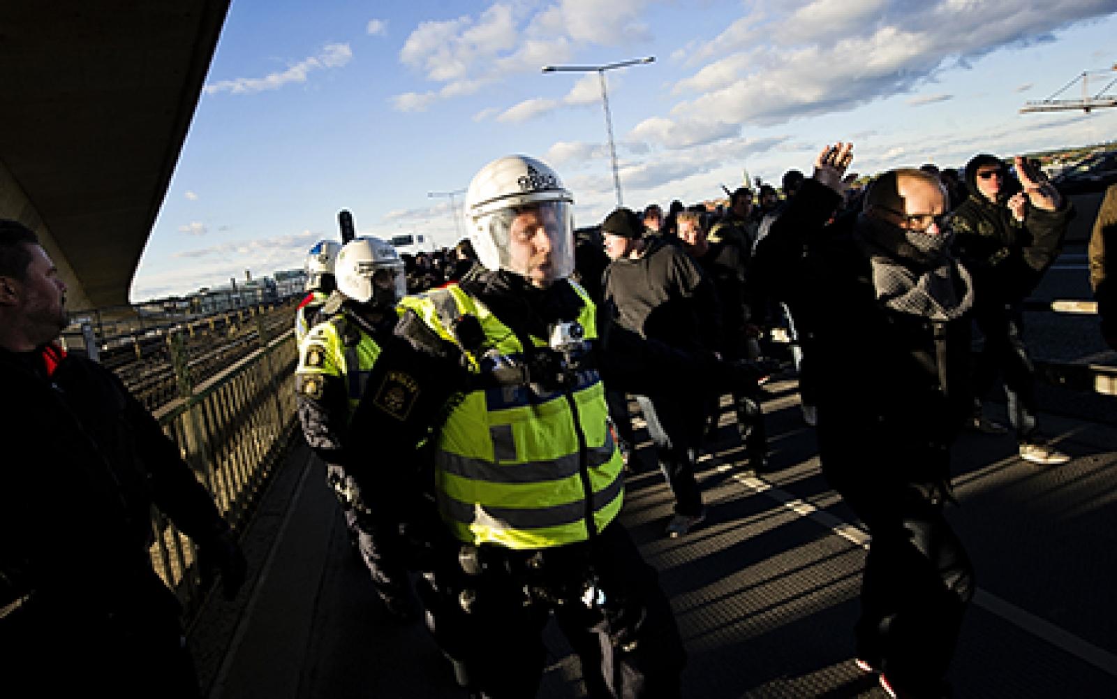 6 000 poliser bevakar fotbolls vm