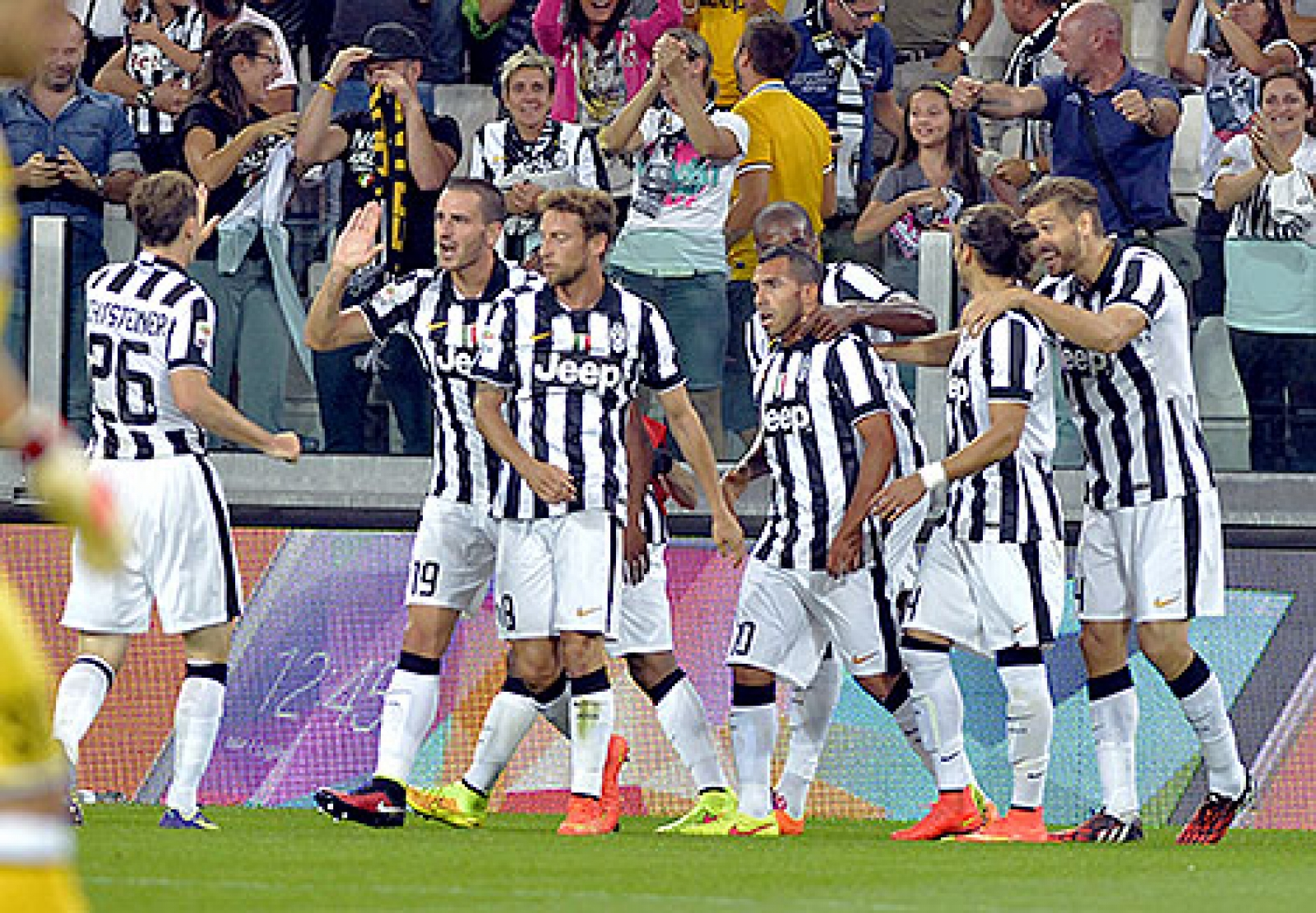 Juventus tvingas byta trojor